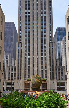 Jeff Koons: Split Rocker, Rockefeller Center, New York, 2014