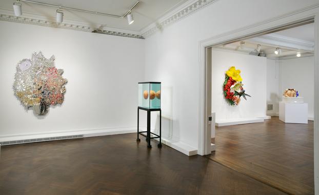 Jeff Koons: Highlights of 25 Years, C&M Arts, New York, 2004.