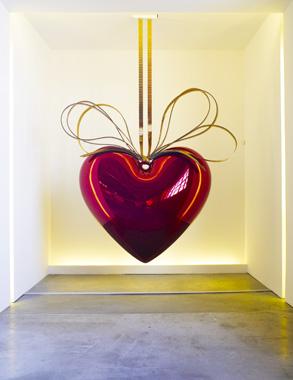Hanging Heart (Red/Gold) by Jeff Koons. Un Certain Etat de Monde?, Garage Center for Contemporary Culture, 2009.